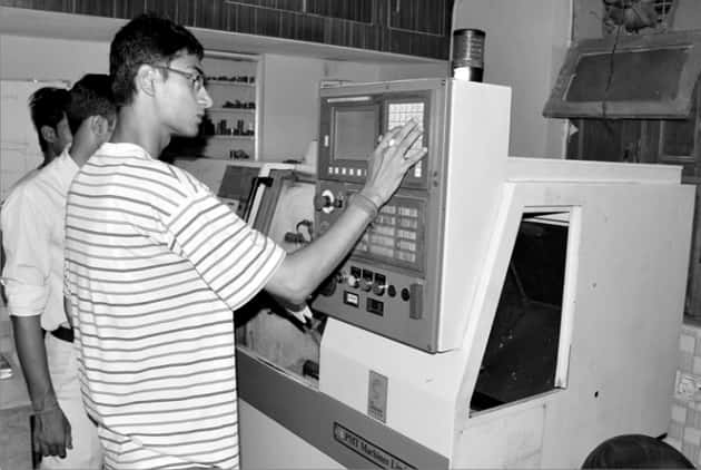 cnc-training-gurgaon-use-of-cnc-machine